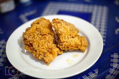 5.000 riel of fried chicken ready to be sauced